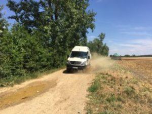 Allrad über Feldwege mit 4x4 Reisemobil