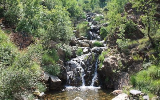 Kleiner Wasserfall in Albanien