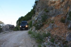 Auf den Schotterpisten von Albanien unterwegs