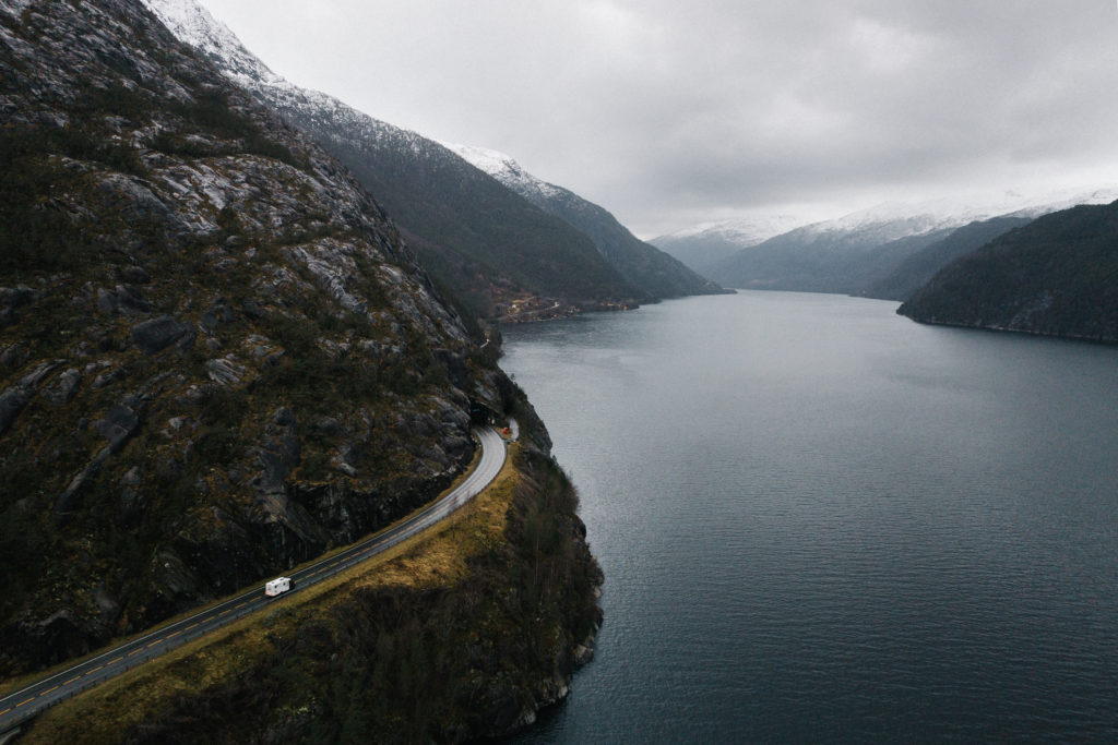 MLT580 Allrad entlang eines Fjords in Norwegen