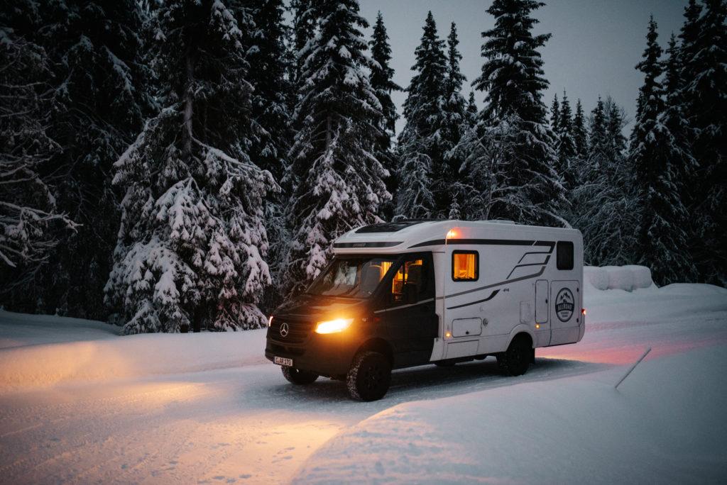 Hymer MLT auf Schnee in Norwegen