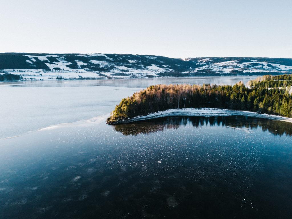Wintercamping in Norwegen bei klirrender Kälte im Wohnmobil