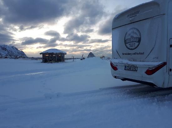 Schneelandschaft und Camper ML-T 580
