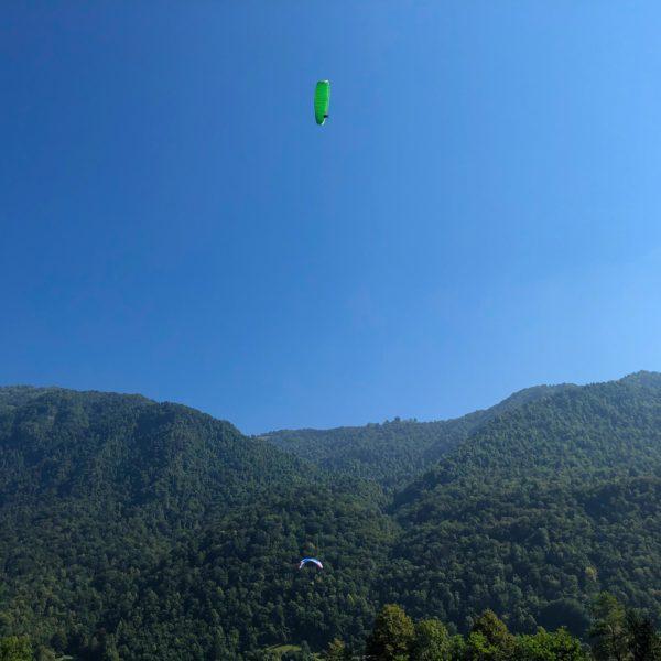 Paraglider im Soča Valley