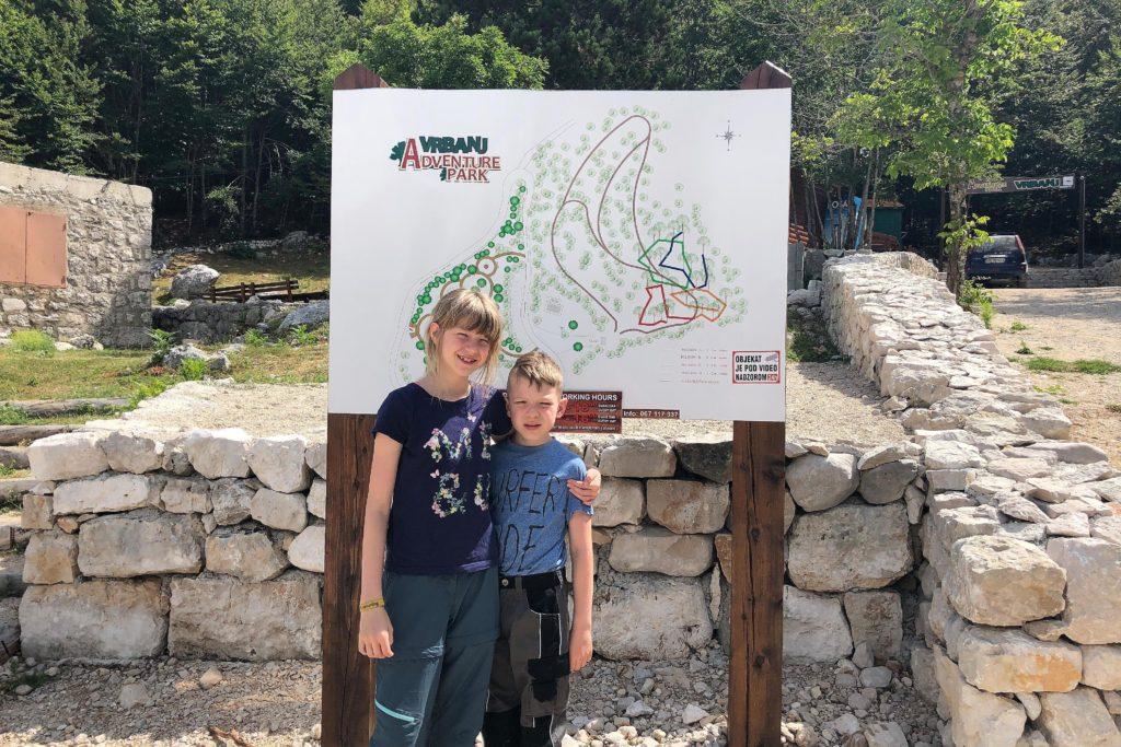 Der Eingang zum 2018 eröffneten Adventure Park VRBANJ