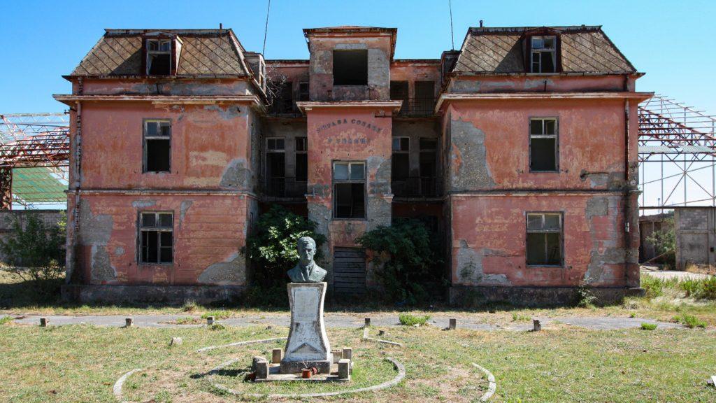 Verwaltungsgebäude an der Ulcinj Salina