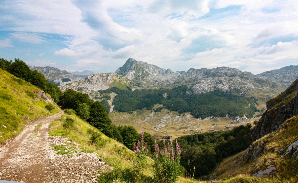 Offroad-Passage nach dem Širokar-Pass in Montenegro