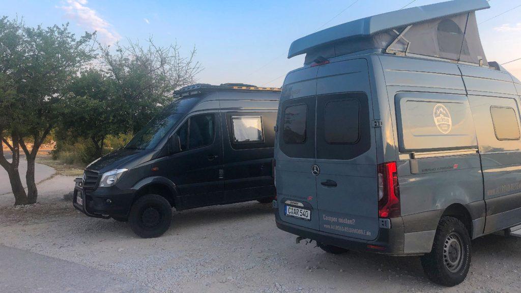 Mercedes Sprinter Treffen auf einem Park4Night Stellplatz oberhalb von Split