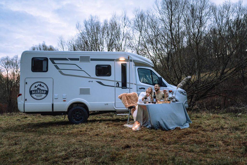 Heiraten mit Wohnmobil - Auf allen vier Rädern in die Zukunft