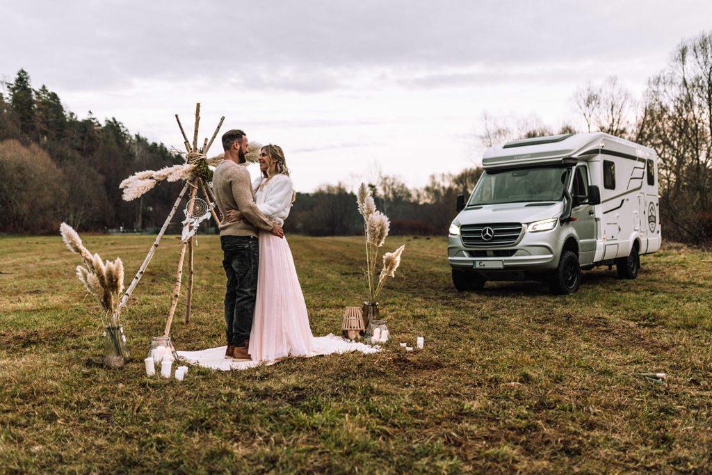 Exklusive Hochzeitsüberraschung mit 4x4 Wohnmobil von Mercedes